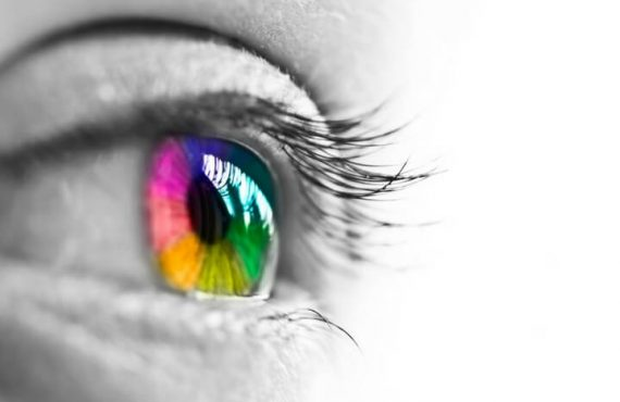 healthy eyes with rainbow coloration