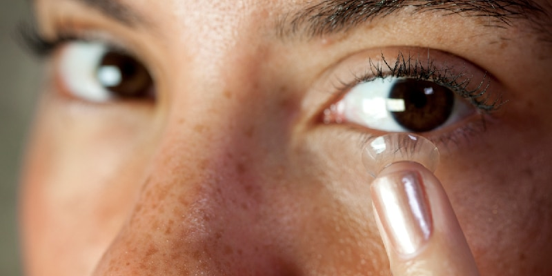 How to Handle Contact Lens Discomfort and Irritation